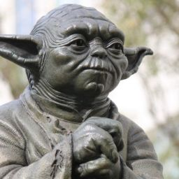 Statue of Yoda